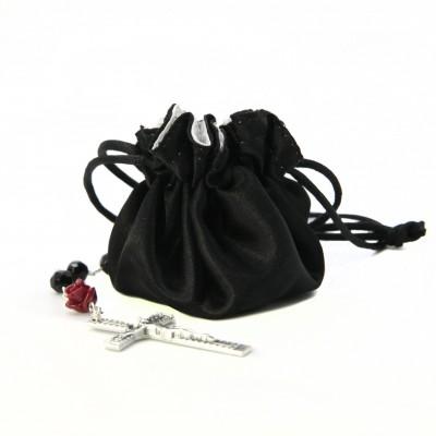 Sacchetto di raso con rosario perla nera e rosa corallo